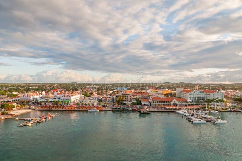 Oranjestad linia horyzontu, Aruba zdjęcie stock
