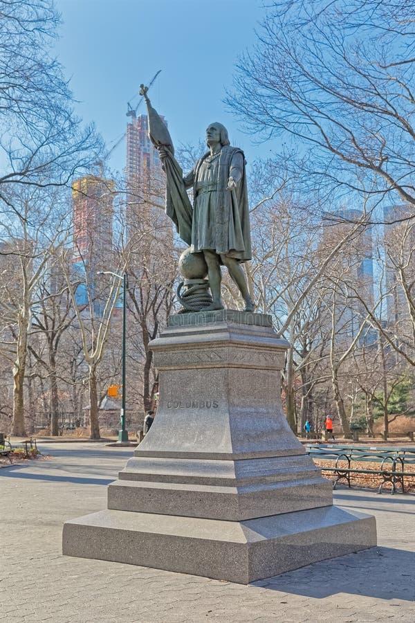 Orario invernale della scultura bronzea di Columbus del Central Park di New York immagini stock libere da diritti