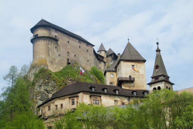 Oravsky hradslott i Slovakien arkivbild