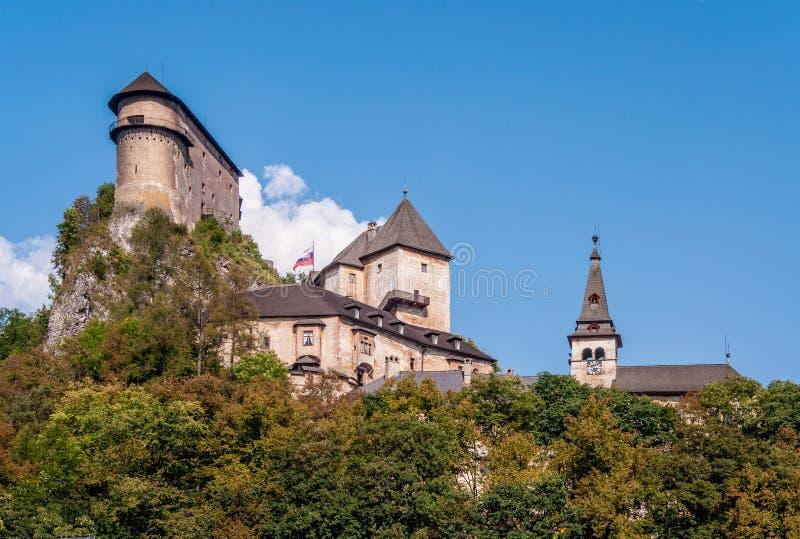 Oravsky slott i Slovakien arkivfoto