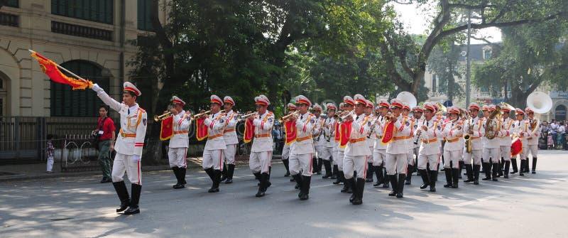 Orchestra d'ottone della polizia a Hanoi fotografie stock libere da diritti