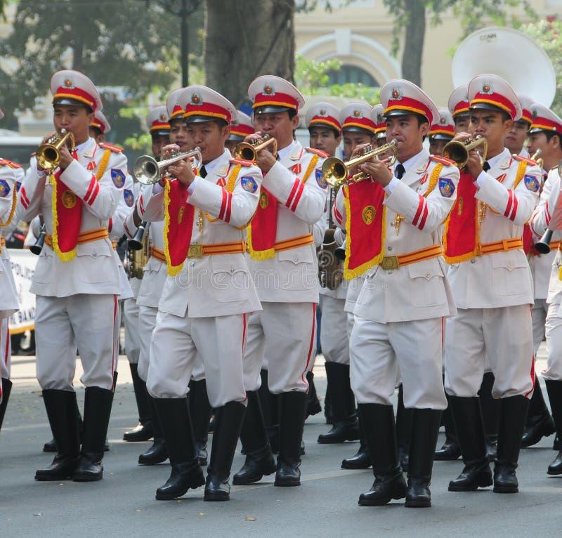 Orchestra d'ottone della polizia a Hanoi fotografia stock libera da diritti
