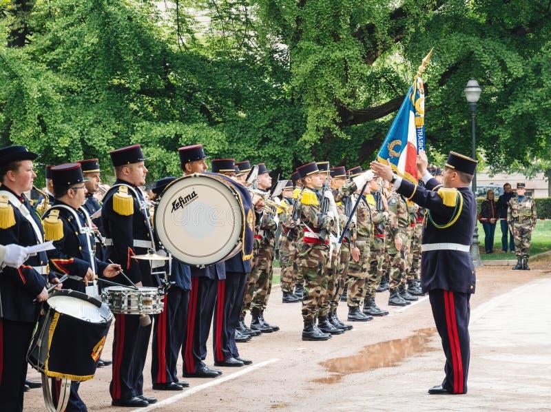 Orchestre militaire au défilé WW2 en France photo libre de droits