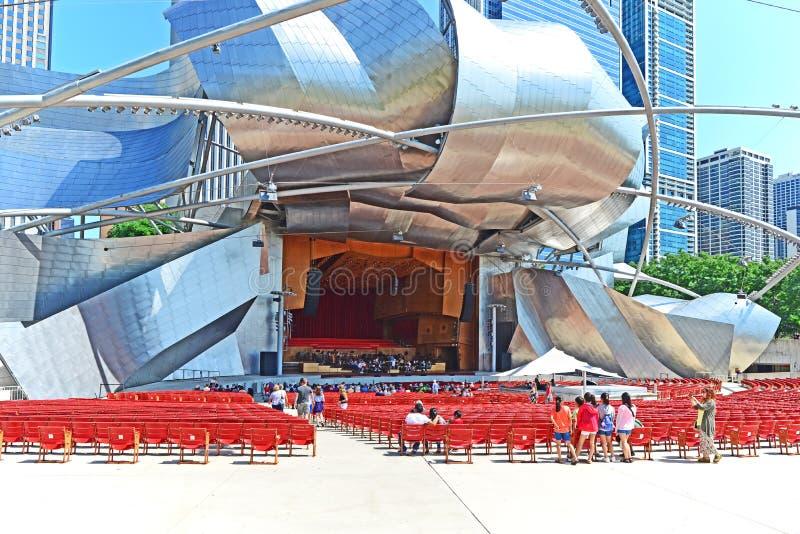 Orchestre symphonique de Chicago pratiquant en Jay Pritzer Pavillion photographie stock