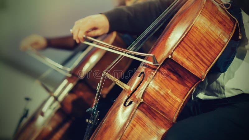 Orchestre symphonique sur l'étape photos stock
