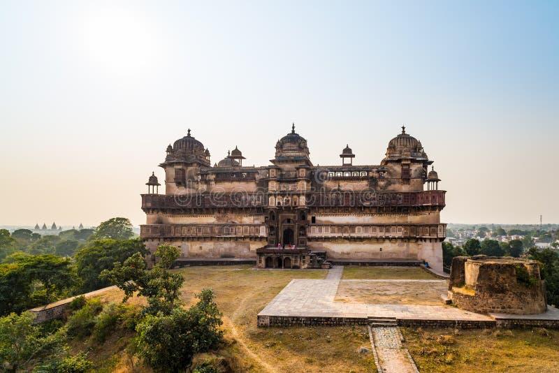 Orchha pałac, Madhya Pradesh Także przeliterowany Orcha, sławny podróży miejsce przeznaczenia w India Szeroki kąt obraz stock
