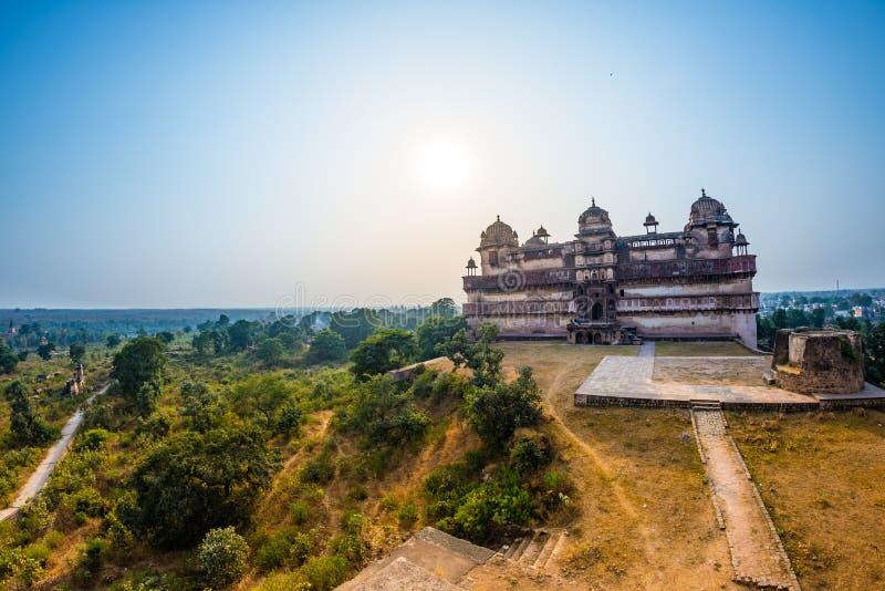 Orchha pałac, Madhya Pradesh Także przeliterowany Orcha, sławny podróży miejsce przeznaczenia w India Szeroki kąt zdjęcia stock