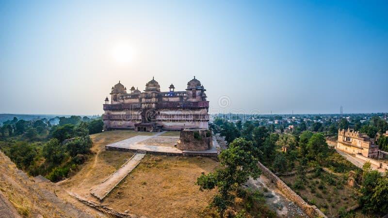Orchha pałac, Madhya Pradesh Także przeliterowany Orcha, sławny podróży miejsce przeznaczenia w India Szeroki kąt obrazy royalty free