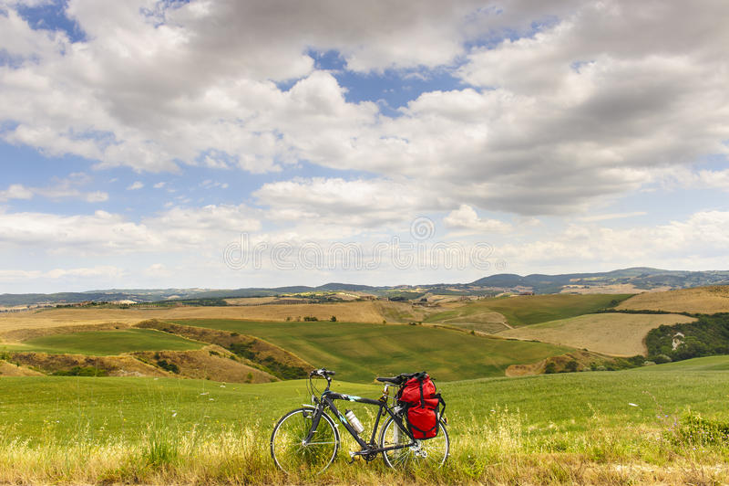 orcia Тоскана ландшафта велосипеда d val стоковая фотография rf