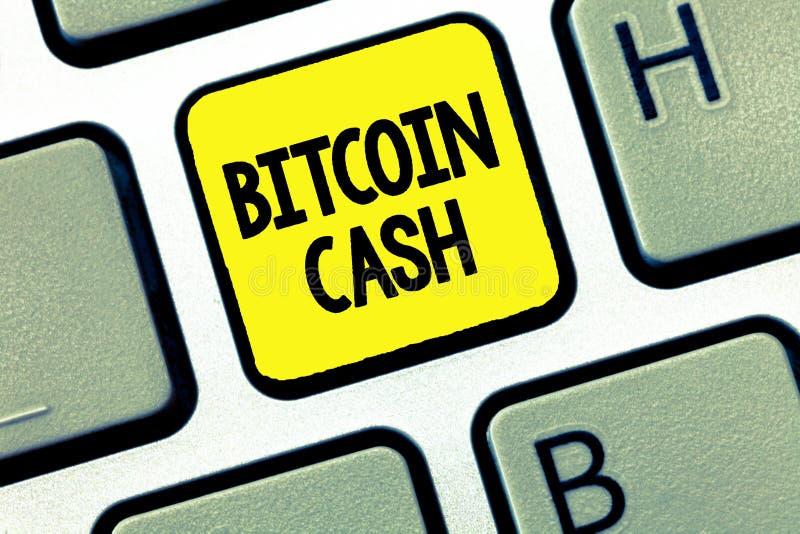Ord som skriver textBitcoin kassa Affärsidé för typ av affären för cryptocurrencyBlockchain Digital pengar fotografering för bildbyråer