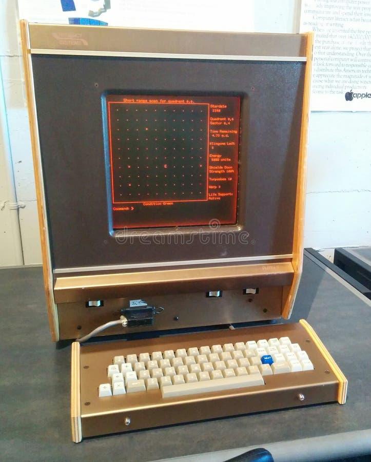 Ordenador del vintage de PLATÓN V en el museo vivo del ordenador fotografía de archivo