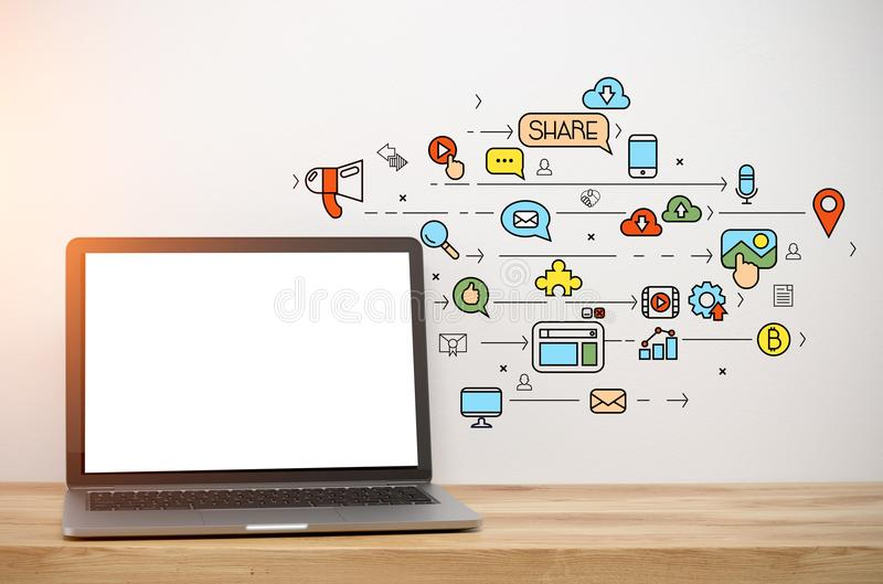 Ordenador portátil con una pantalla en blanco, medio social fotografía de archivo libre de regalías