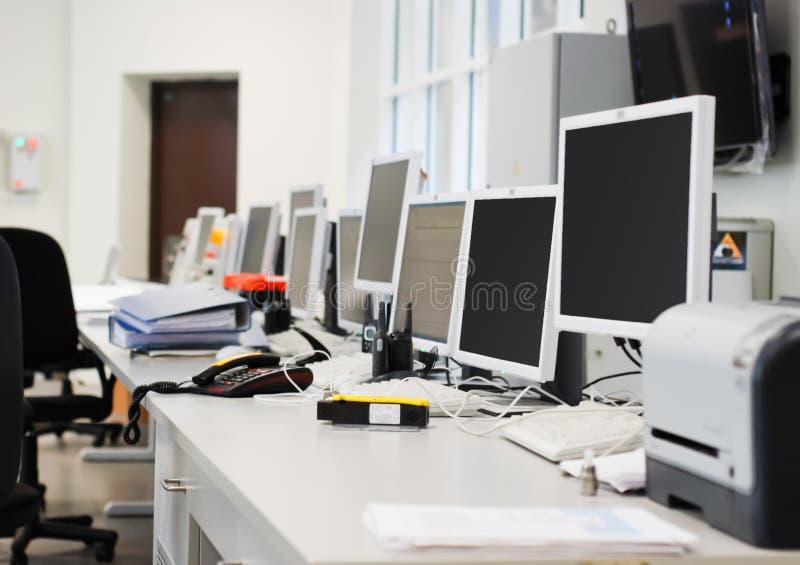 Ordenadores de oficina foto de archivo