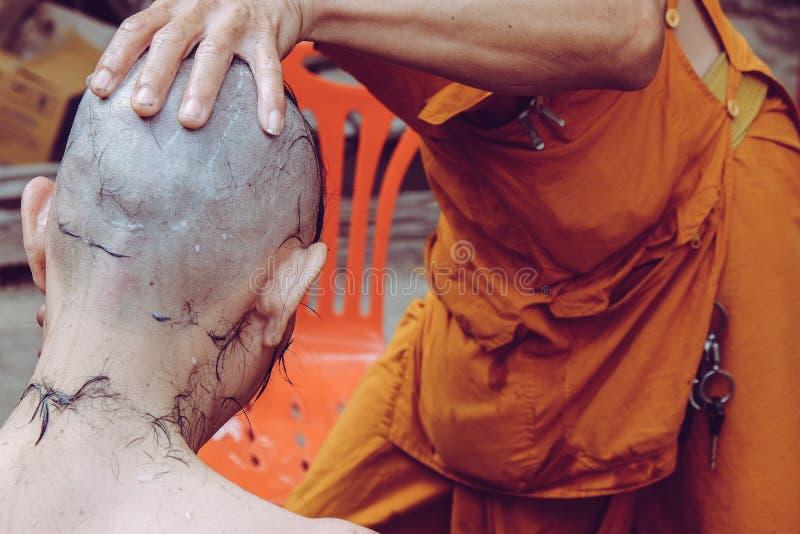 Ordeningsceremonie van Boeddhistische monnik royalty-vrije stock afbeelding