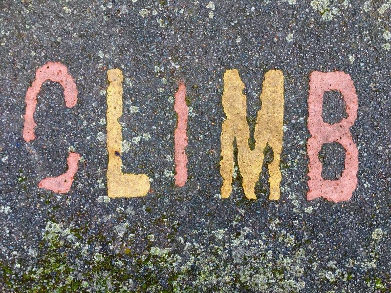 Ordet KLÄTTRING på golvet i ungar parkerar fotografering för bildbyråer