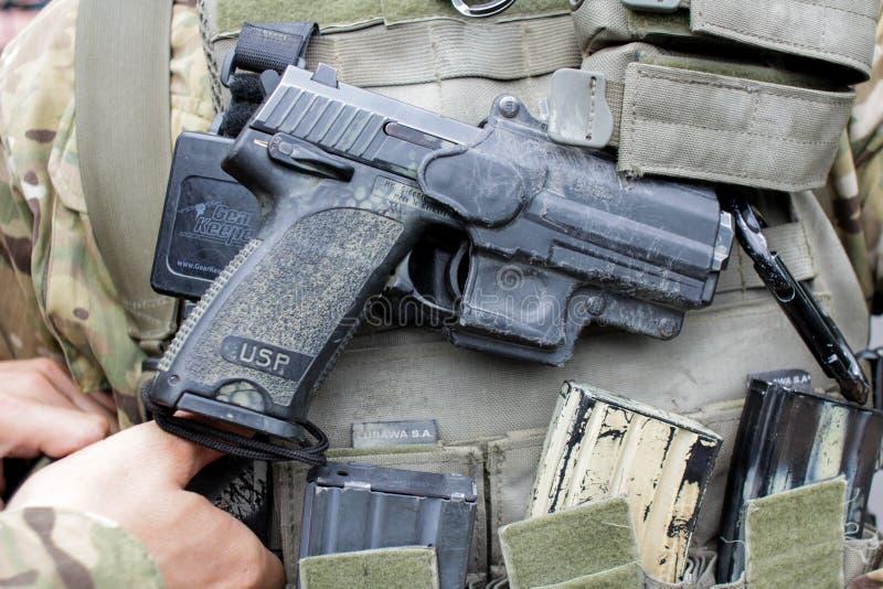 Ordeverstoorder & het pistool van Koch USP royalty-vrije stock afbeeldingen