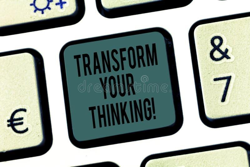 Ordhandstiltext att omforma ditt tänka Affärsidé för ändring dina mening eller tankar in mot sakertangentbordtangent fotografering för bildbyråer
