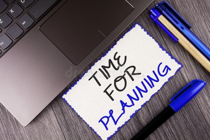 Ordhandstiltext Tid för att planera Affärsidé för start av beslut för en projektdanande som organiserar schema som är skriftligt  royaltyfri foto