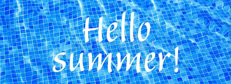 OrdHello sommar p? bl?tt rivit s?nder baner f?r semester f?r sommar f?r vattenbakgrundssimbass?ng royaltyfri foto