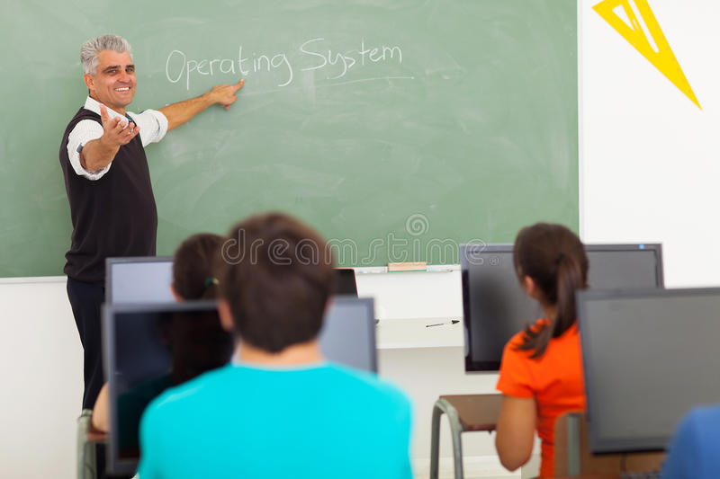 Ordinateur de enseignement de professeur image libre de droits