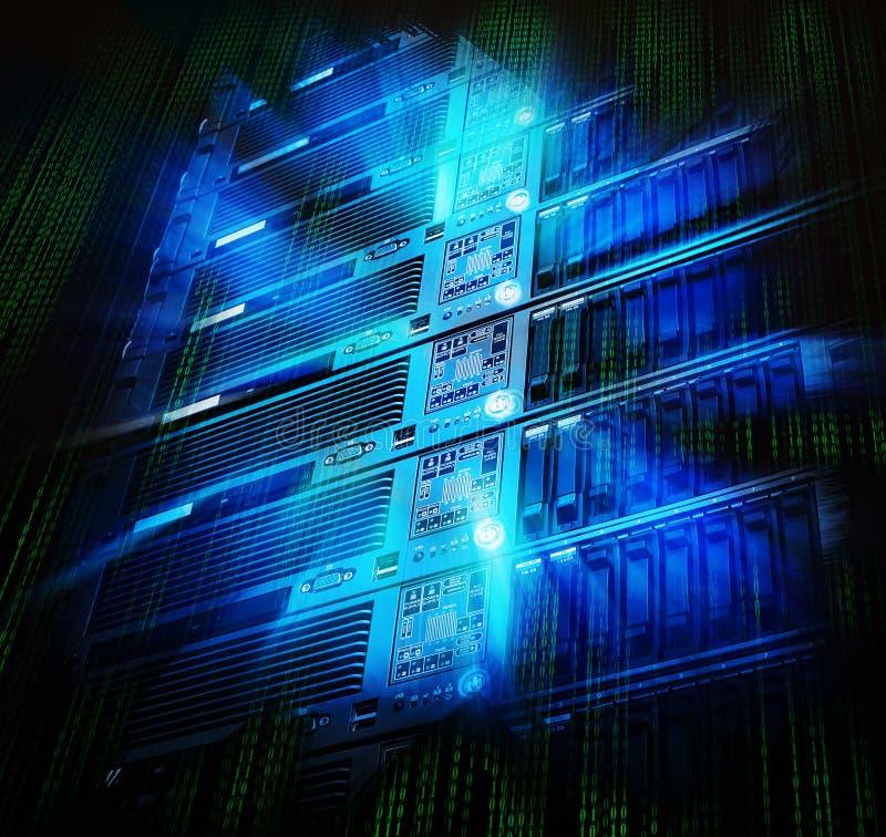 Ordinateur géant de stockage de lame de centre de traitement des données avec l'éclaboussure et le code binaire photos stock