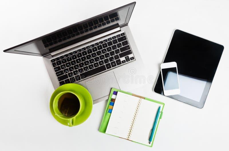 ordinateur portable, PC de comprimé, planificateur, stylo, Mobil images stock