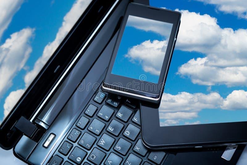 Ordinateur portable, Smartphone et tablette photographie stock