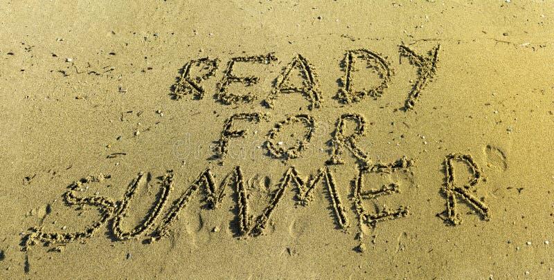 Ordna till för skriftlig sommar i sand royaltyfria bilder