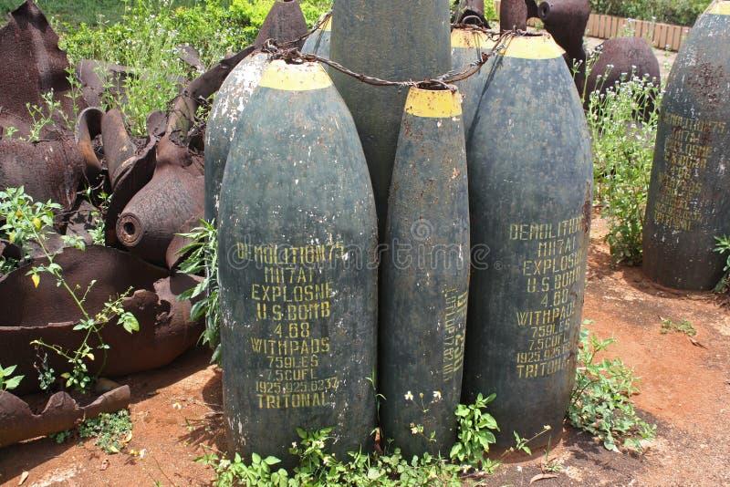 Ordonnance abandonn?e ? une ancienne base militaire des USA au Vietnam photos stock