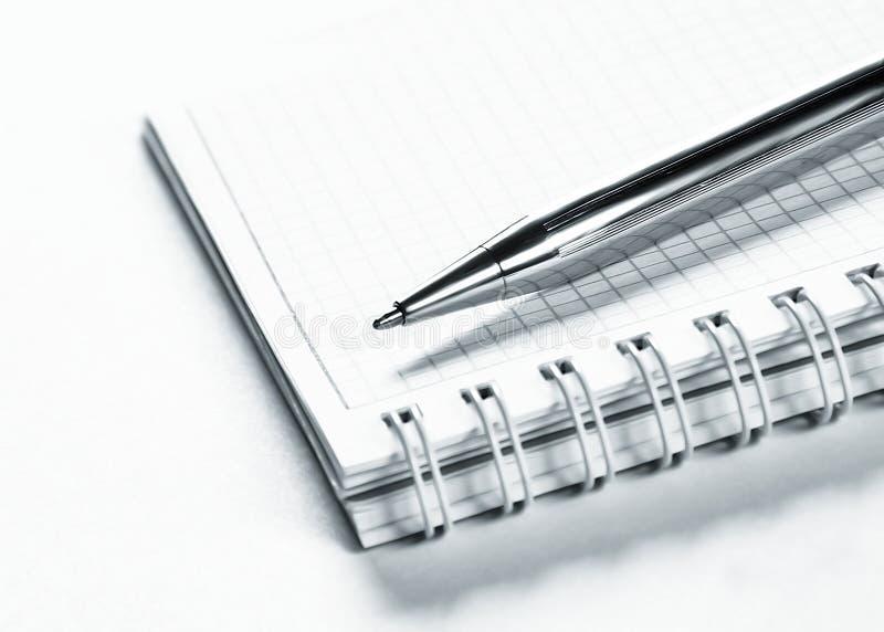 Ordre du jour et crayon lecteur de bille photographie stock libre de droits