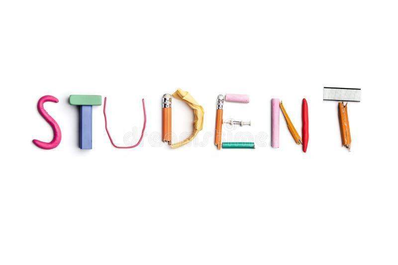 Ordstudenten som skapas från kontorsbrevpapper arkivbild