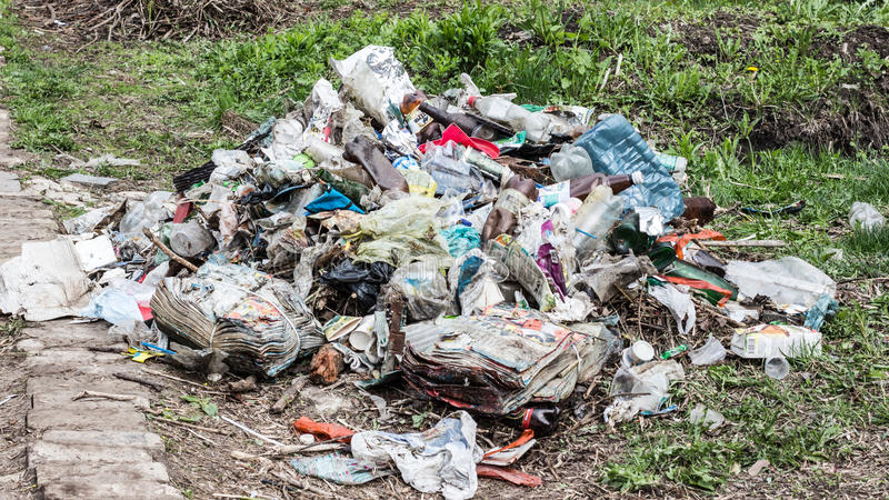 ordures dump Mauvaise écologie photos stock