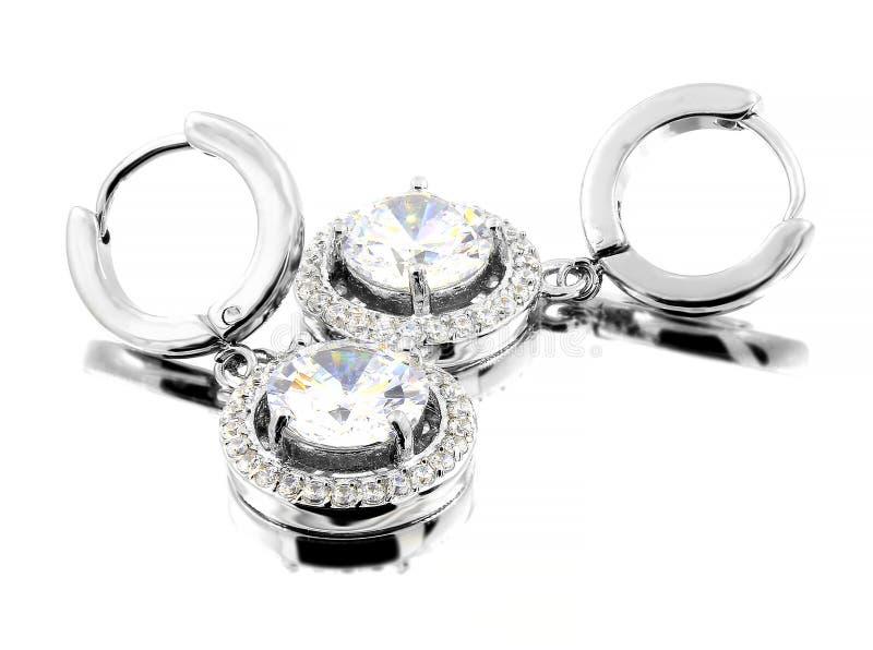Orecchini dei gioielli per le donne - acciaio inossidabile e zirconi cubici immagine stock libera da diritti