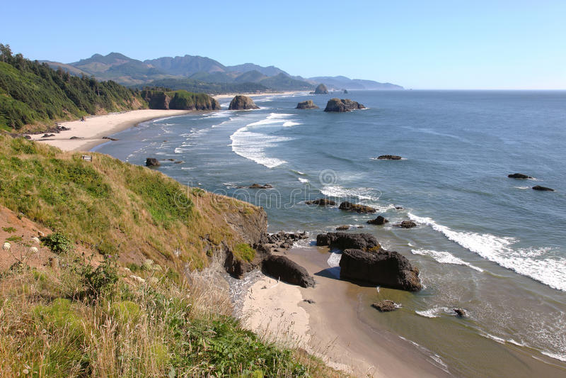 Oregon-Küstepazifische Nordwestklippen u. -strände. lizenzfreie stockbilder