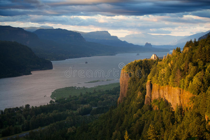 Oregon-Landschaft - Kronen-Punkt-Kolumbien-Fluss stockfotos