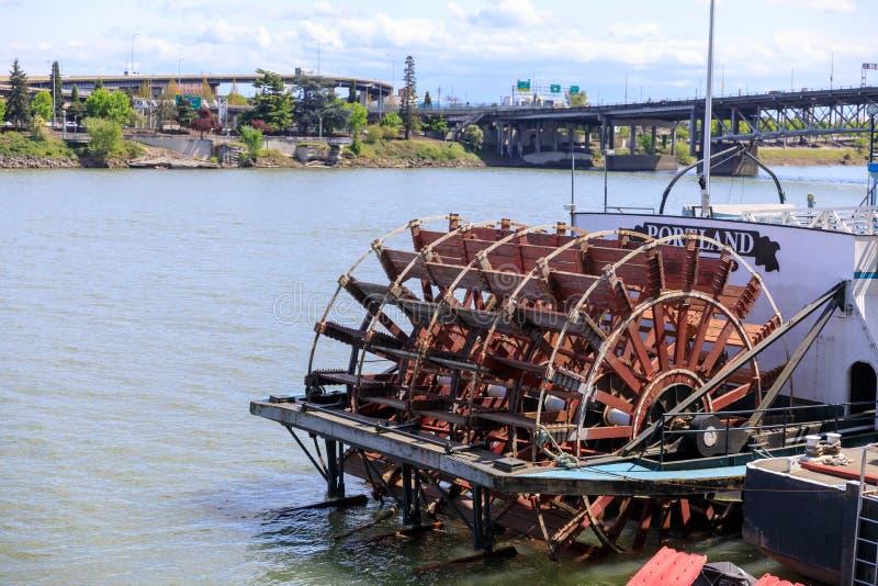 Oregon-Seemuseum gelegen in Willamette-Flussufer, im Stadtzentrum gelegenes Portland lizenzfreie stockbilder