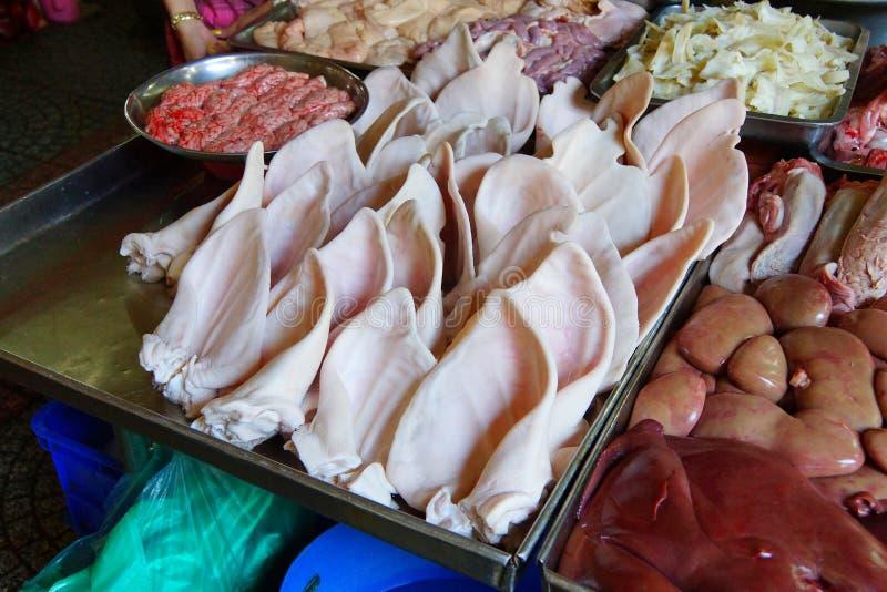 Oreilles de porcs et viande d'abats photos stock