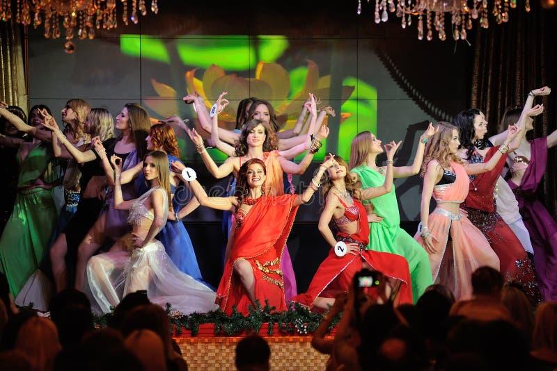 Orel, Rússia - 20 de dezembro de 2015: Da senhorita Orel competição 2015 de beleza foto de stock royalty free