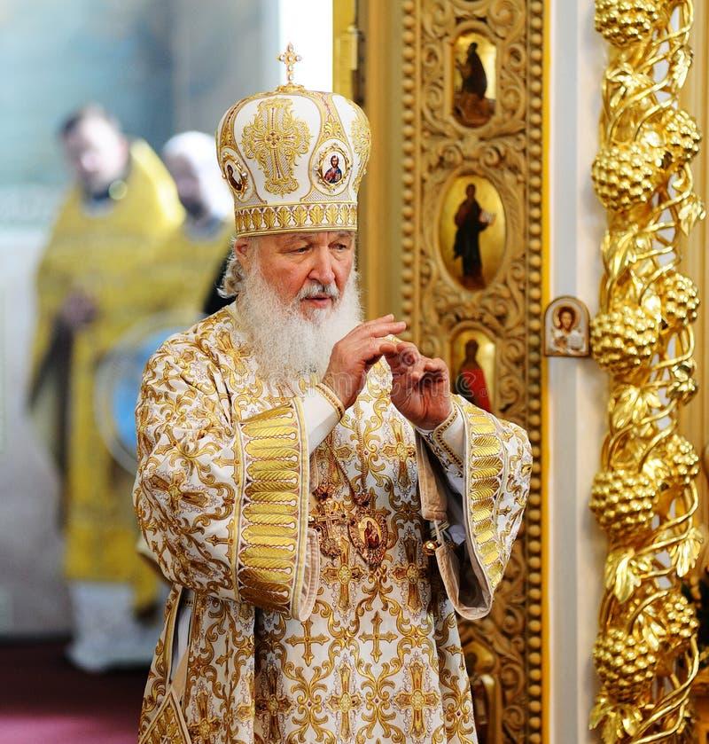 Orel, Russland, am 28. Juli 2016: Russland-Christianisierungsjahrestag göttliche Liturgie Patriarch Kirill, der in der goldenen R stockfoto