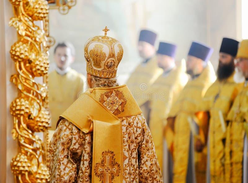 Orel, Russland, am 28. Juli 2016: Russland-Christianisierungsjahrestag göttliche Liturgie Patriarch Kirill und andere Priester, d lizenzfreie stockfotos