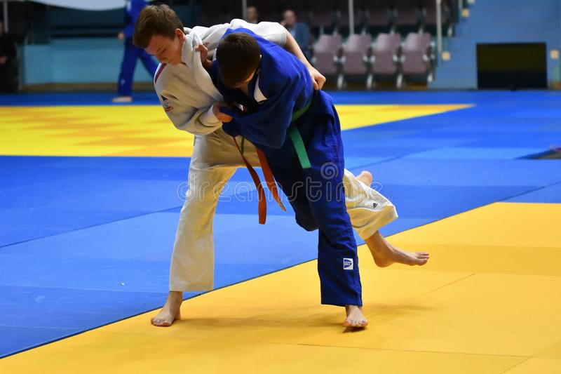 Download Orenburg Ryssland - 21 Oktober 2017: Pojkar Konkurrerar I Judon Redaktionell Bild - Bild av kimono, spelare: 106827456