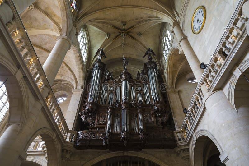 Orgaan in de kerk van St Etienne-du-Mont stock foto's