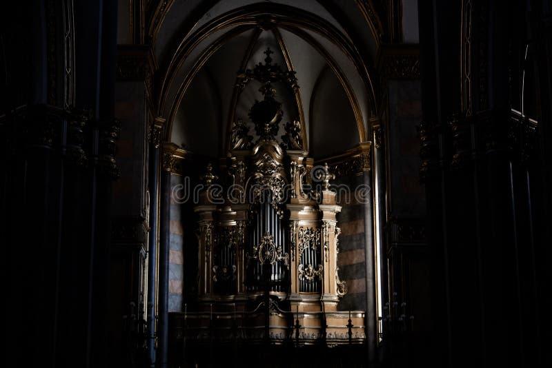 Organe d'une église de Naples photographie stock