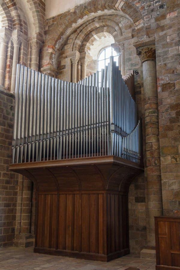 Organe de l'abbaye en Mont Saint-Michel photographie stock libre de droits