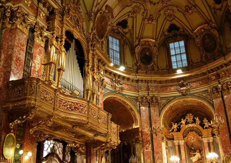 Organe de pipes baroque photographie stock