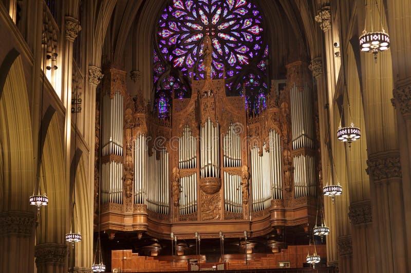 Organe en cathédrale de Patrick photographie stock