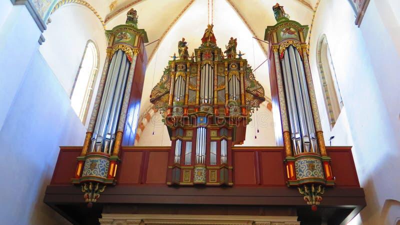 Organe et tuyaux dans la cathédrale de Ribe, Danemark photographie stock
