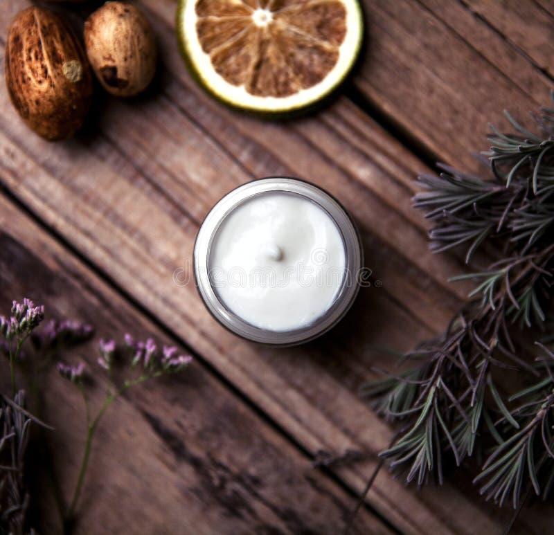 Organicznie śmietanki, płukanki dla twarzy i ciało, Naturalna opieka dla piękno zdrowie i młodocianej skóry Eco kosmetyki fotografia royalty free