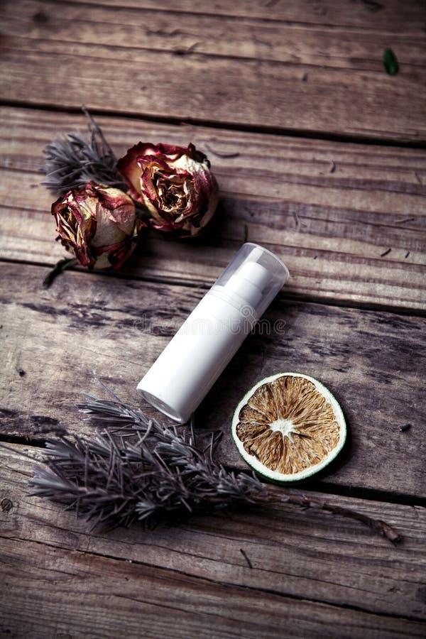Organicznie śmietanki, płukanki dla twarzy i ciało, Naturalna opieka dla piękno zdrowie i młodocianej skóry Eco kosmetyki obraz stock