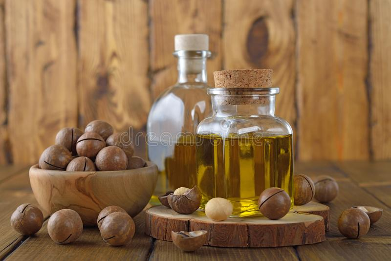 Organicznie macadamia olej zdjęcie stock